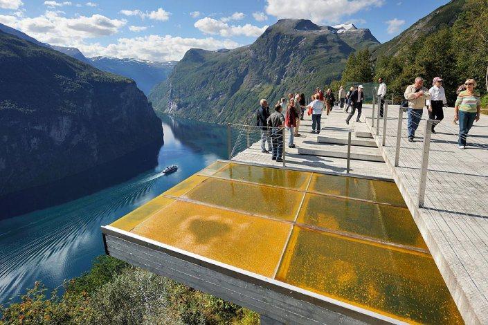 ØrnesvingenGeiranger, Noruega