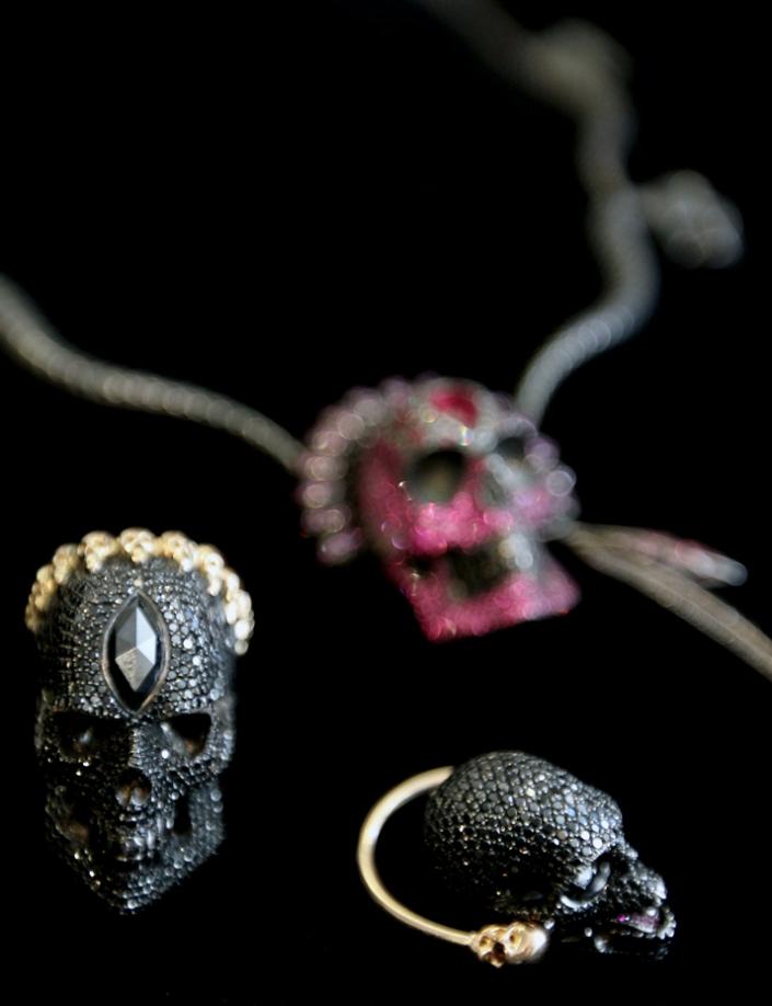 33-halloween-skulls-yatzer