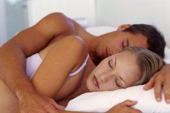 pareja-durmiendo