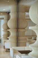 Columnas con forma de piezas de Ajedrez