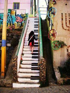 Escalera de piano, hippie