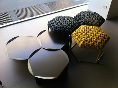 Mesas y sillas forma hexagonal