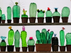 Recycled_PET_Plastic_Bottle_Plant_Sculptures_by_Veronika_Richterov_