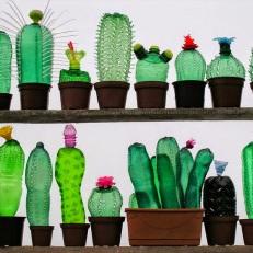 Recycled_PET_Plastic_Bottle_Plant_Sculptures_by_Veronika_Richterov_