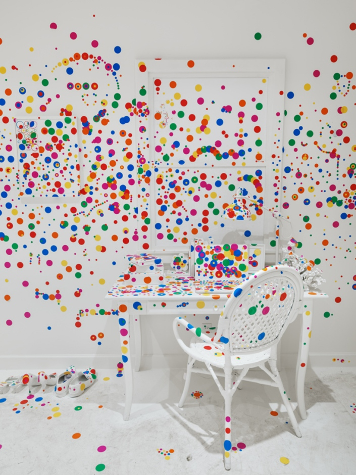 yayoi-kusama-give-me-love-david-zwirner-new-york-designboom-15