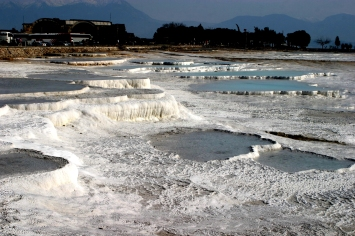 Hot_springs_of_Pamukkale