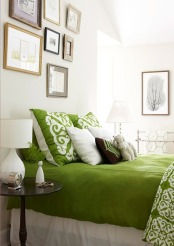 kelly-green-bedding-bhg