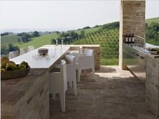 3_Est-Living-Villa-Olivi-Italy-Outdoor