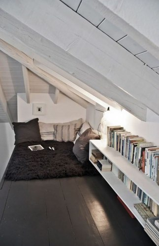 cozy-reading-nooks-book-corner-80-573330bc81e8e__700