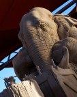 escultura-arena-elefante-raton-ajedrez-ray-villafane-sue-beatrice-5