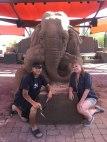 escultura-arena-elefante-raton-ajedrez-ray-villafane-sue-beatrice-6
