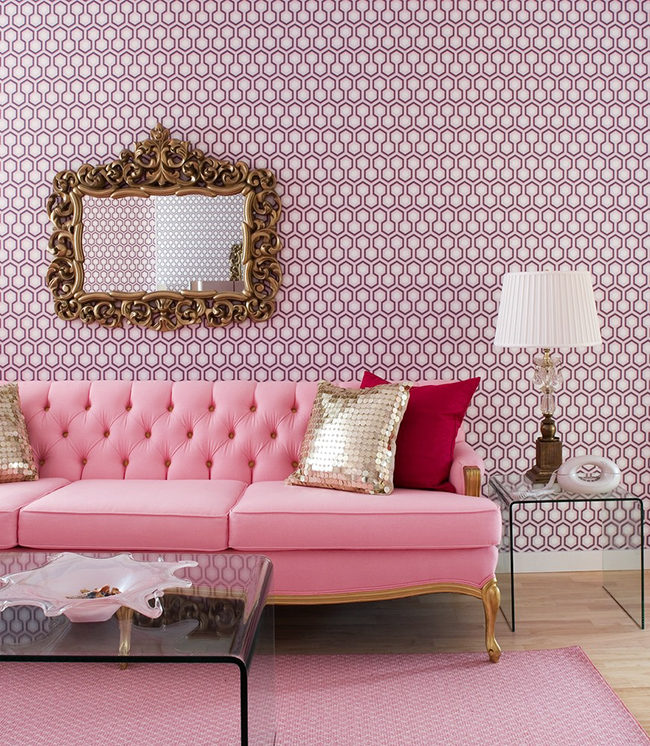 living-room-with-pink-decoration