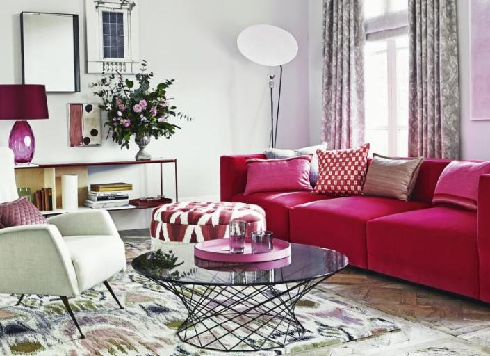 modern-white-living-room-with-pink-furniture