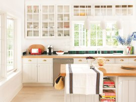 summer-kitchen-decorating-cottage-decor-white