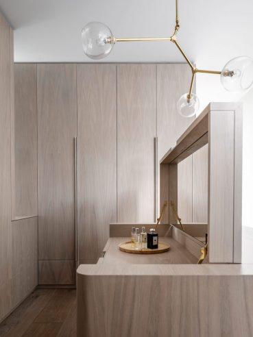 vestidor-madera-luigi-rosselli-architects-lampara-douglas-and-bec