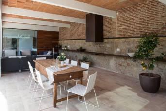 4-Rehabilitacion-casa-rustica-en-Pals-porche-i-barbacoa-Gloria-Duran-Arquitecta