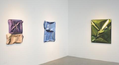 Cuadros-de-Yrjo-Edelmann-en-exposición-en-la-galería-Scott-Richards-Contemporary-Art-de-San-Francisco-620x342