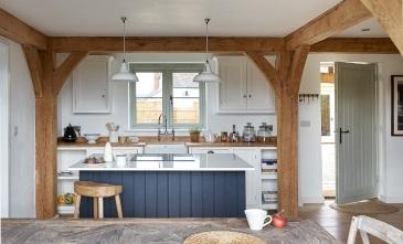 herefordshire-cottage-shaker-kitchen-timber-frame