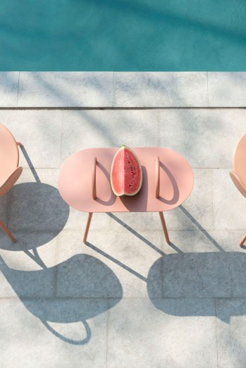 001_Bibelo-design_Margaux-Keller_table-basse-swim-exterieur2