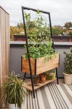 754c8f2e7b076c1d92c3b0b6c6c2b962--self-watering-planter-apartment-gardening
