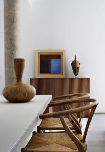 03_16-Rattan-dining-chairs-and-an-African-vase-for-decor