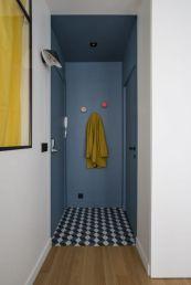 a0_donner-du-caractere-a-son-entree__iris-pointud-gaylussac-entree-bleue-carreaux-ciment