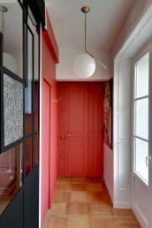 a0_donner-du-caractere-a-son-entree_studio-Mariekke_Appart-parisien-740x1112
