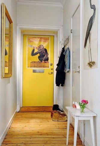 cpuerta-entrada-amarilla-