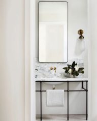 6_Emily-Henderson_Design-Trends_2019_Bathrooms_12-1670x2087
