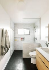 9_Emily-Henderson_Design-Trends_2019_Bathrooms_31-1670x2371