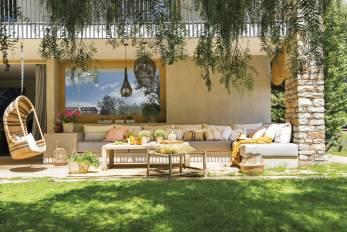 reformar-una-casa-de-verano-jardin-porche-revista-septiembre-el-mueble_05ad35a8_1500x1001