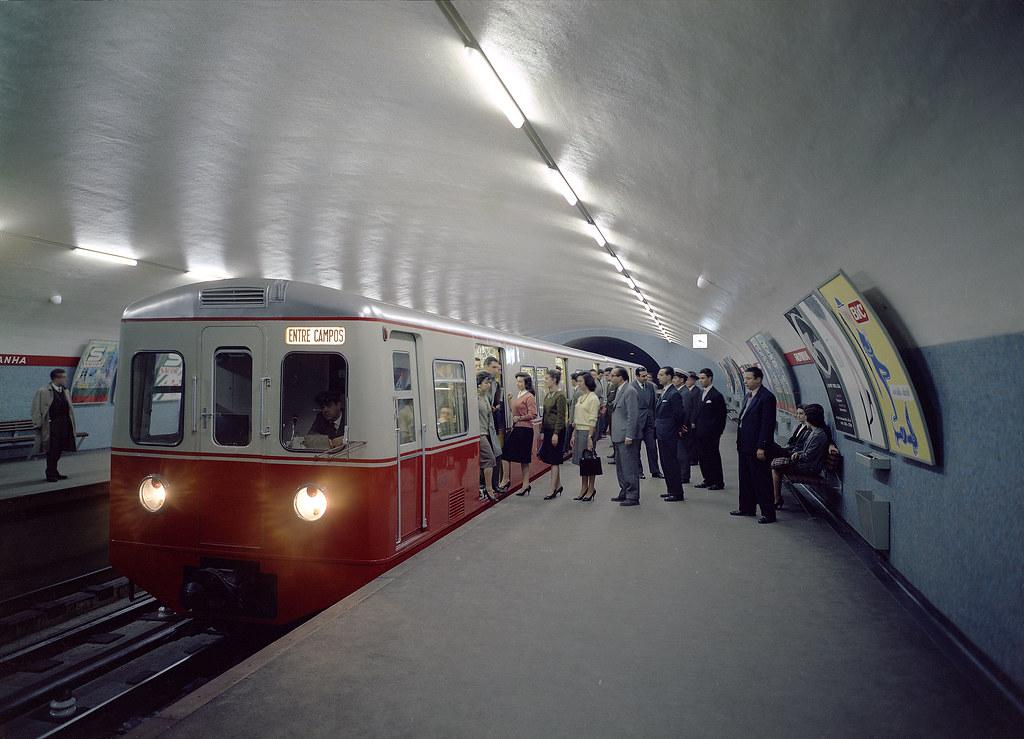El metro de Lisboa, un espejo del arte contemporáneo