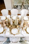 Elegant-Gold-Christmas-Table-Scape