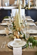 Gold-and-Silver-Snowflake-Christmas-Table-Setting