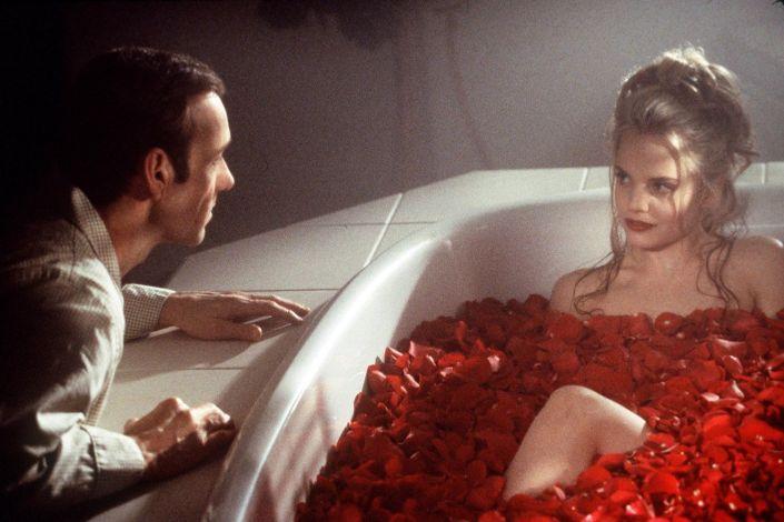 kevin-spacey-mena-suvari-american-beauty-bathtub-rose-petals.jpg