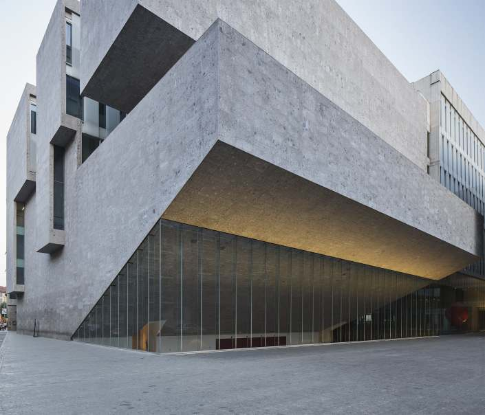grafton-architects-maxime-galati-fourcade-universita-bocconi-milan-exterior